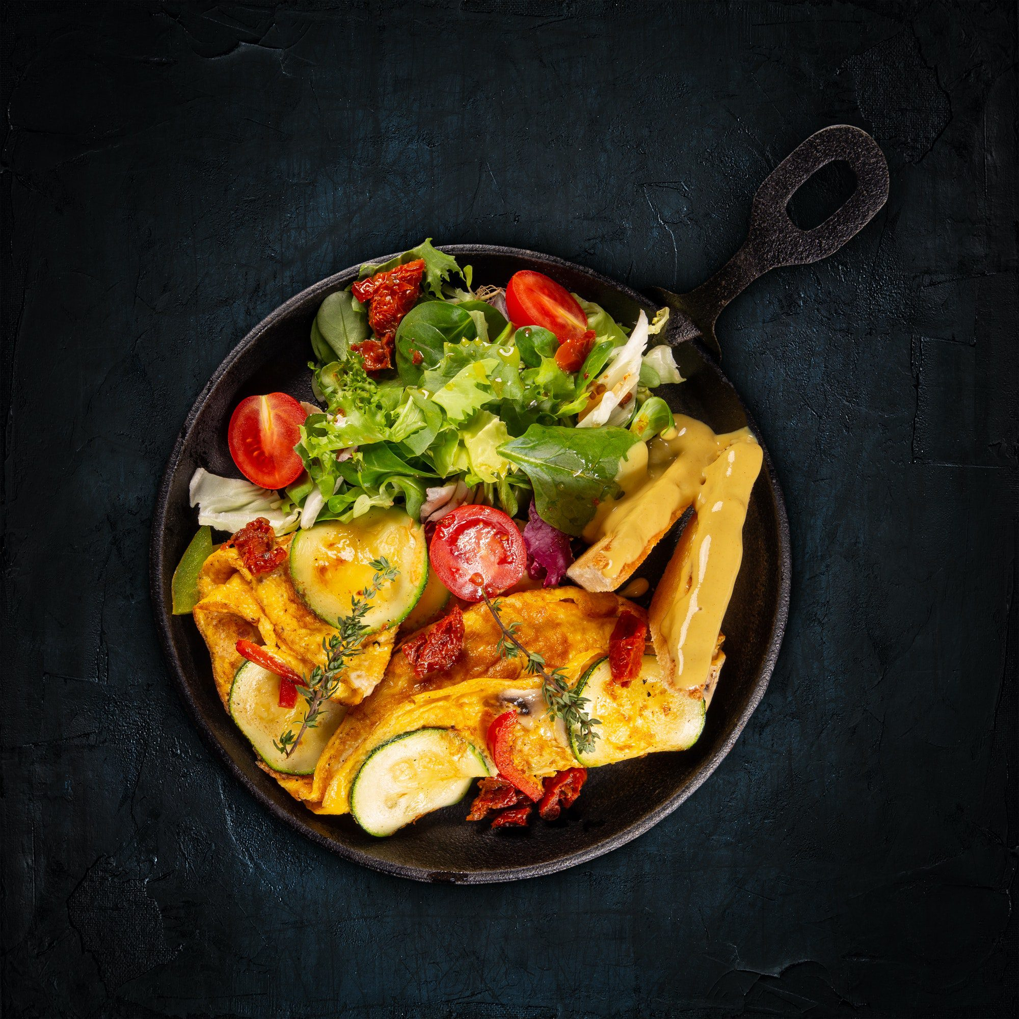 Omelet with veggies